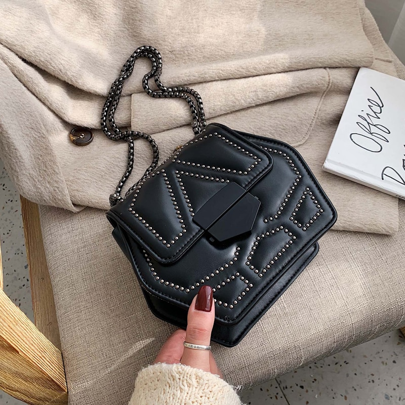 Bolso cruzado de cuero PU hexagonal para mujer 2020, cadena de remaches, bandolera de hombro, Mini bolsos de viaje para mujer