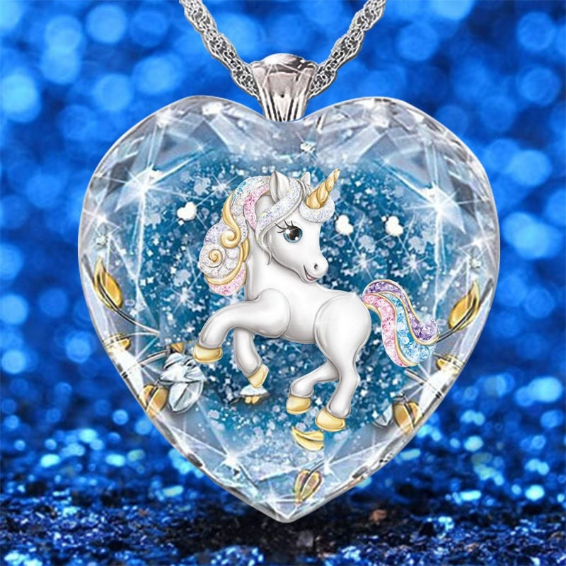 2021 Summer New Blue Crystal Glass Glittering Pendant Necklaces for Women Fashionable and Elegant Unicorn Necklace