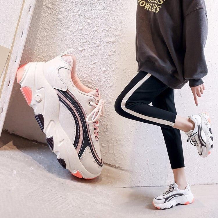 حذاء نسائي ربيعي ، موديل جديد ، حذاء رياضي ربيعي مدخن ، عصري ، متناسق مع كل شيء ، عصري