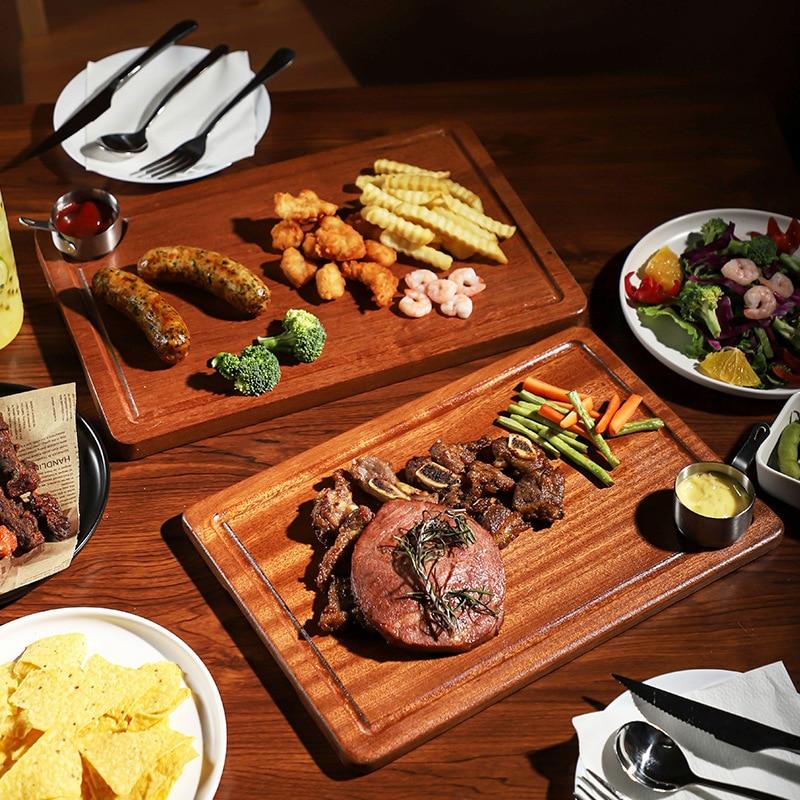 صينية شرائح اللحم الخشبية الصلبة ، الطعام الغربي ، لوح خشبي للمطعم ، طبق ستيك خشبي ، طبق حلوى خشبي