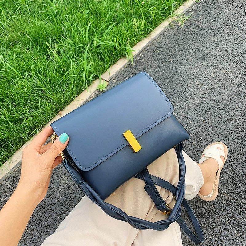 Venda direta dos fabricantes 2020 novo estilo on-line celebridade pequena ck moda feminina bolsa de ombro alta texturizada bolsa do plutônio