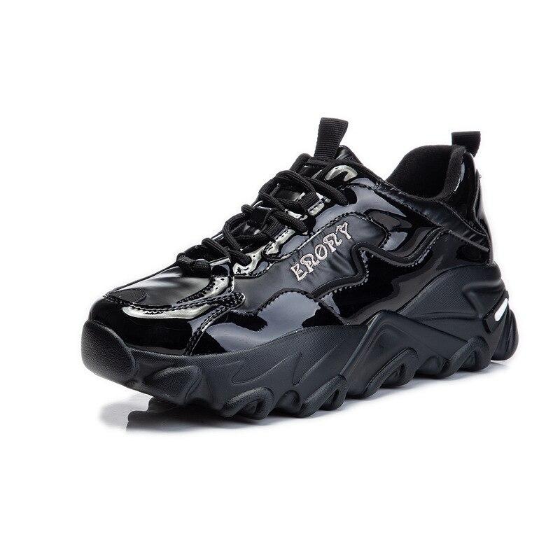 أحذية رياضية غير رسمية جديدة لعام 2021 للسيدات والأباء