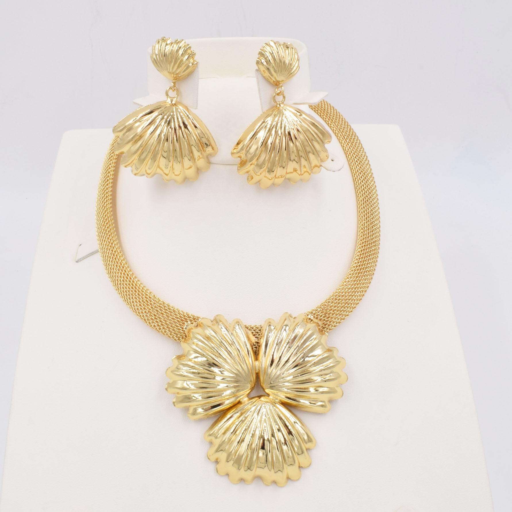 جودة عالية من دبي الذهب اللون طقم مجوهرات للنساء الخرز الأفريقي مجوهرات موضة قلادة مجموعة القرط مجوهرات