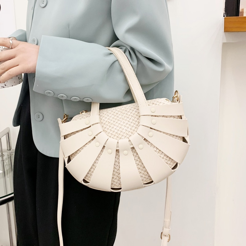 New Moon Shape Shoulder Bags for Women Luxury Leather Tote Bag Hollow Woven Crossbody Bag 2021 Ladys Summer Casual Messenger Bag