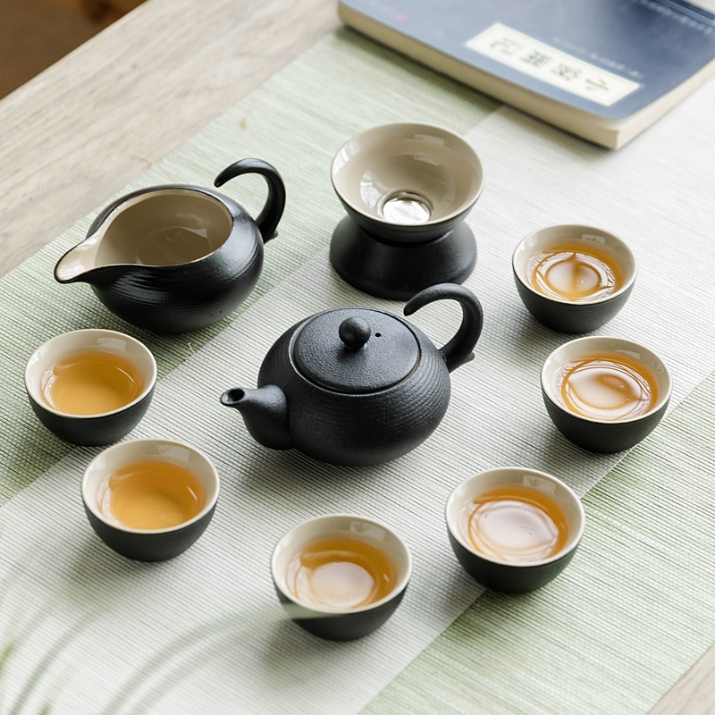 طقم شاي الكونغ فو مجموعة الفخار الأسود الرجعية المنزلية بسيطة اليابانية إبريق الشاي غطاء السيراميك وعاء فنجان شاي