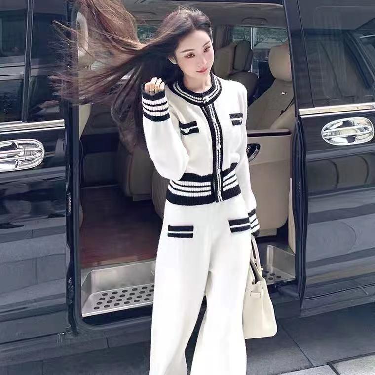 النساء محبوك 2 قطعة مجموعات 2021 الخريف الكيول موضة مزاجه بلوزات أبيض وأسود و بلون السراويل عالية الشارع ارتداء