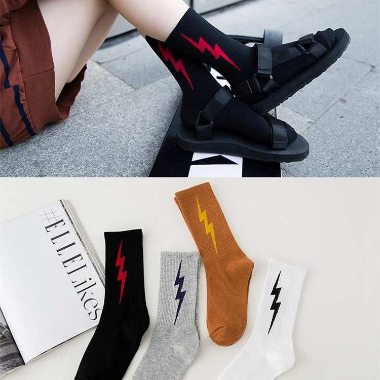 Calcetines de moda coreana para mujer, calcetines Unisex de algodón para monopatín con iluminación para invierno, calcetines Hiphop Sox Chic Unisex