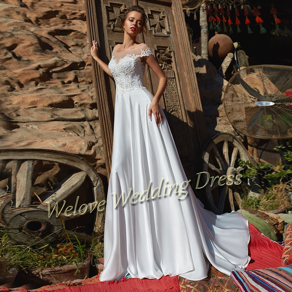 Vintage Satin White Wedding Dress Off Shoulder A Line Long Train Bridal Gown For Woman With Applique Button Back Vestidos 2021