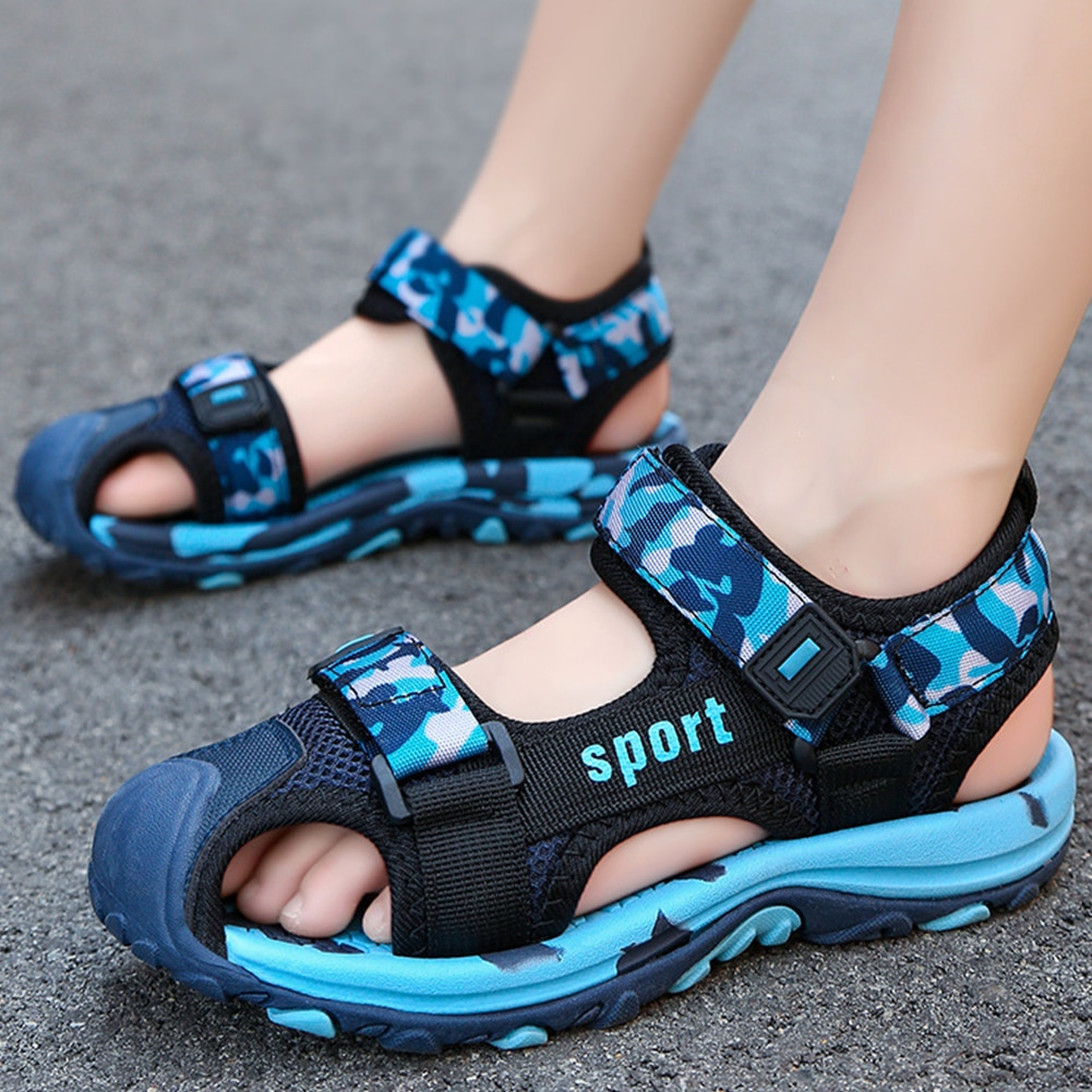 Boys New Anti Kick Covered Toe Beach Sandals Kids Camouflage Breathable Mesh Sports Shoes Girls Summer Non-Slip Outdoor Sneakers