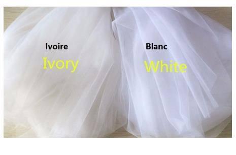 Illusion Long Sleeves A-Line Tulle Wedding Dresses 2021 Romantic Lace Appliques V-Neck vestido De Noiva Sexy Bridal Gowns