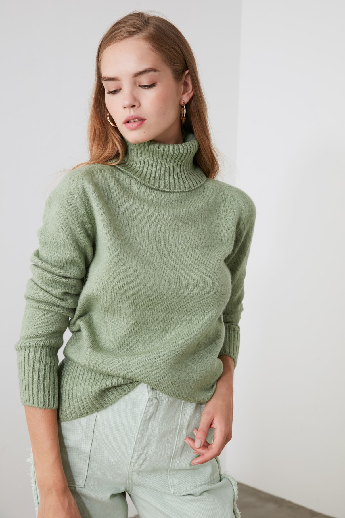 Trendyol Turtleneck Knitwear Sweater TWOAW21KZ1343