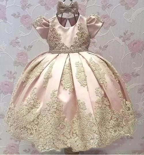 2018 Newest Short Sleeves Big Bow Gold Applique Kids Communion gowns Birthday vestido Party Pageant Flower Girl Dresses gold lace applique first communion dresses short sleeves top lace flower girl dress lace applique skirt girl pageant dresses