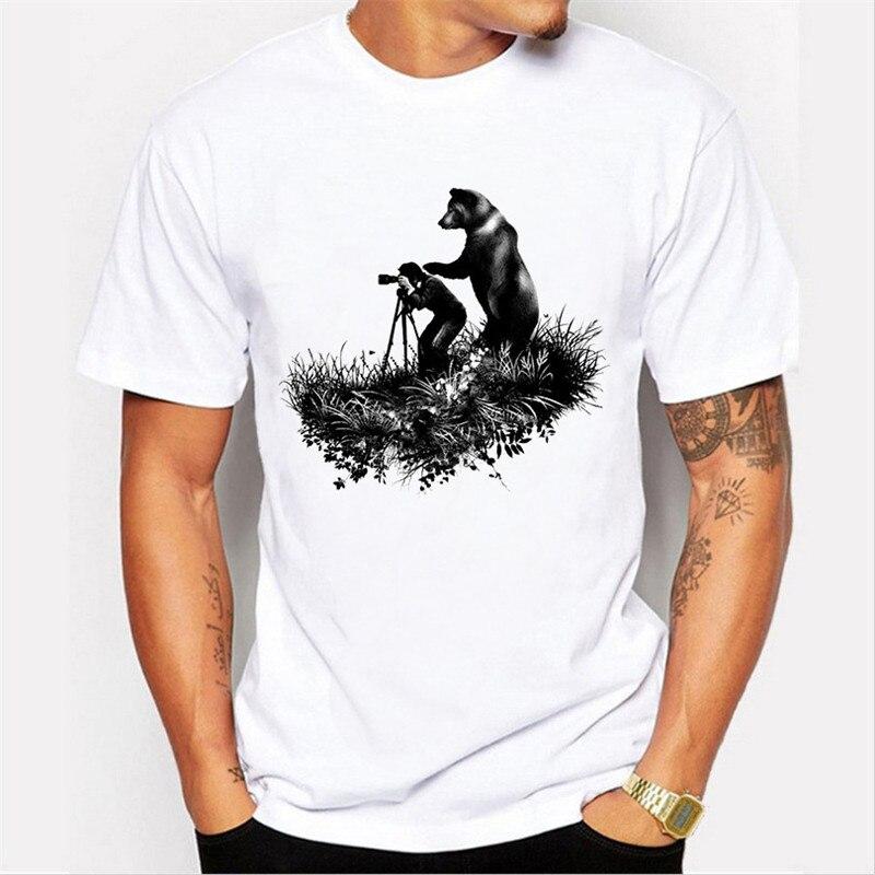 O que você está atirando homem e urso impressão camiseta