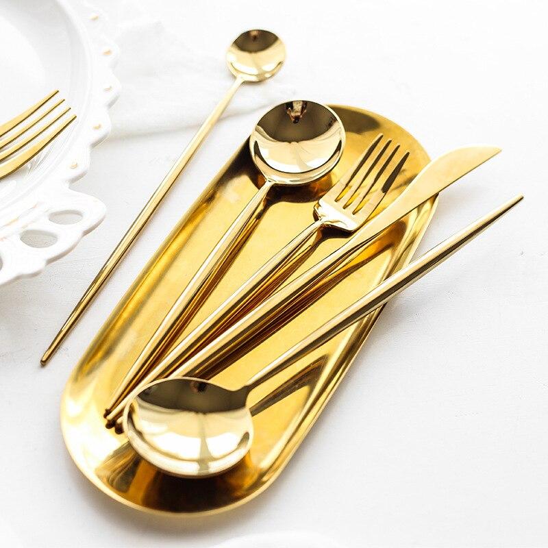 الأوروبي الذهب الفولاذ المقاوم للصدأ الأسرة الغربية الغذاء سكين شوكة ملعقة عيدان الحلو أربعة قطعة مجموعة من طبق ستيك مجموعة أدوات المائدة