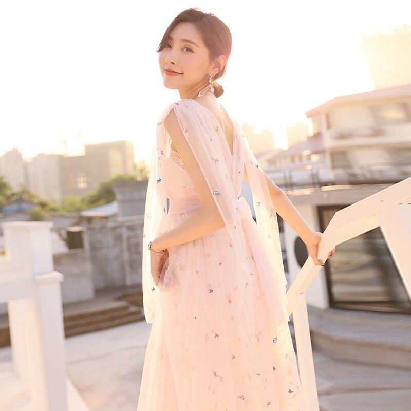 YIGELILA Moda Verão Rosa Vestido Sem Costas Malha Bordado Mangas V-neck Spaghetti Strap Império Hetero Vestido de Festa 64935