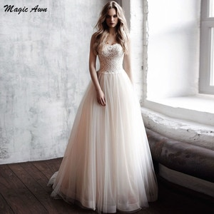 Magic Awn Graceful Light Champagne Wedding Dresses 2021Sweetheart Lace Appliques A-line Princess Bridal Gowns Sweep Train Robes