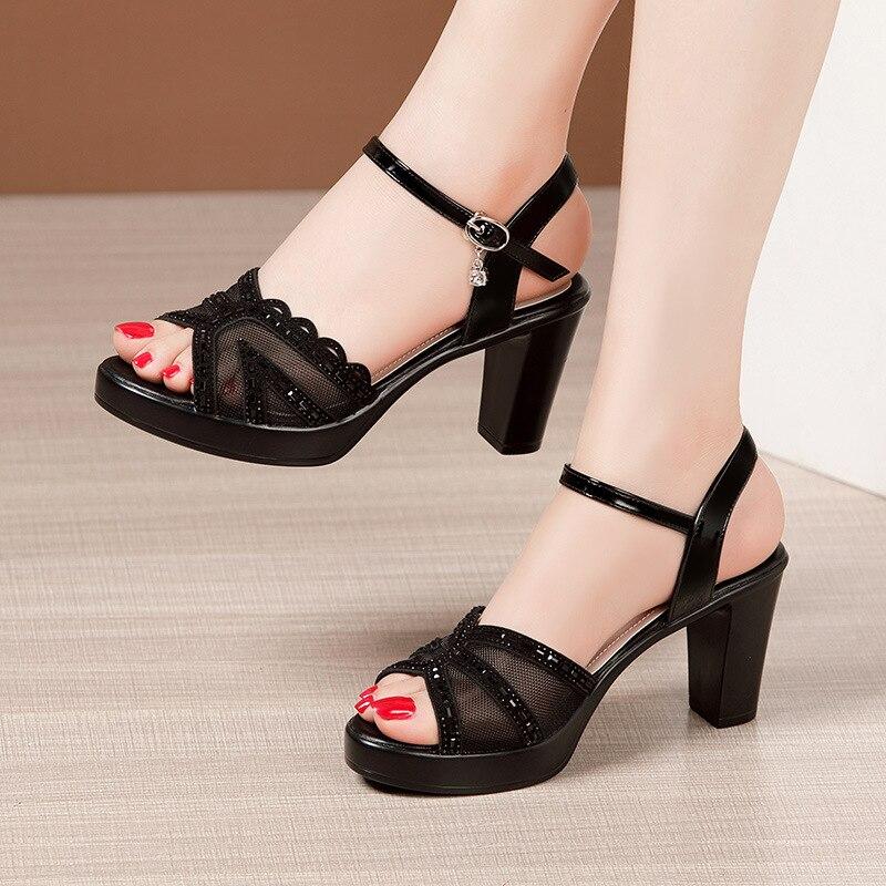 2021 كعب سميك الصنادل المرأة الصيف فم السمكة الأحذية حجر الراين عالية الكعب المرأة السوداء حذاء للأمهات النساء حجم 33-43