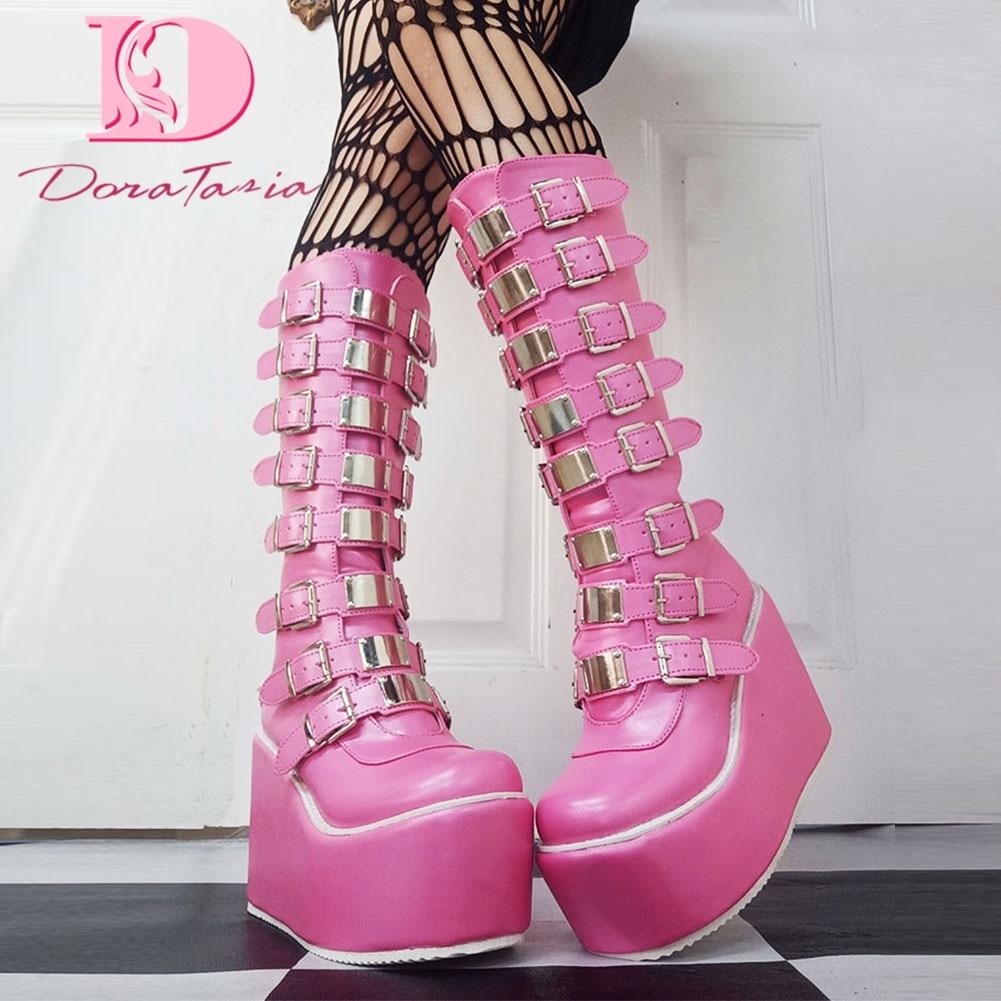 DoraTasia INS الساخن الوردي النساء حذاء برقبة للركبة القوطية الشرير تأثيري الشارع أحذية أنيقة المرأة منصة أسافين عالية الكعب الأحذية