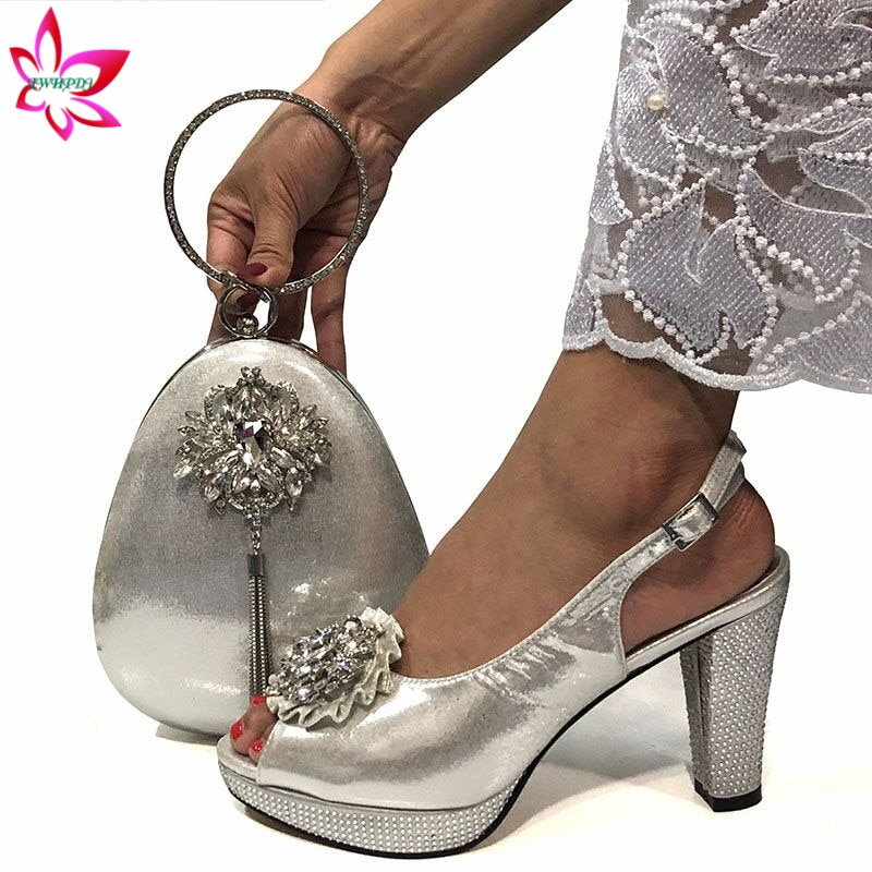 موضة النساء الفضة الصنادل و مجموعة الحقائب لمطابقة 9 سنتيمتر أحذية عالية الجودة الإيطالية مع مطابقة أكياس ل حفل زفاف