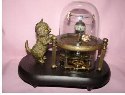 النحاس النحاس الحرف الصينية الديكور الآسيوية ري الشحن أعمال نادرة رائعة الأسماك وعاء الزجاج آلة على مدار الساعة مع القط لطيف