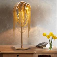 Moderne luxe personnalité temps tunnel en aluminium chaîne lampe de bureau nordique créatif salon modèle chambre gland cascade FG857