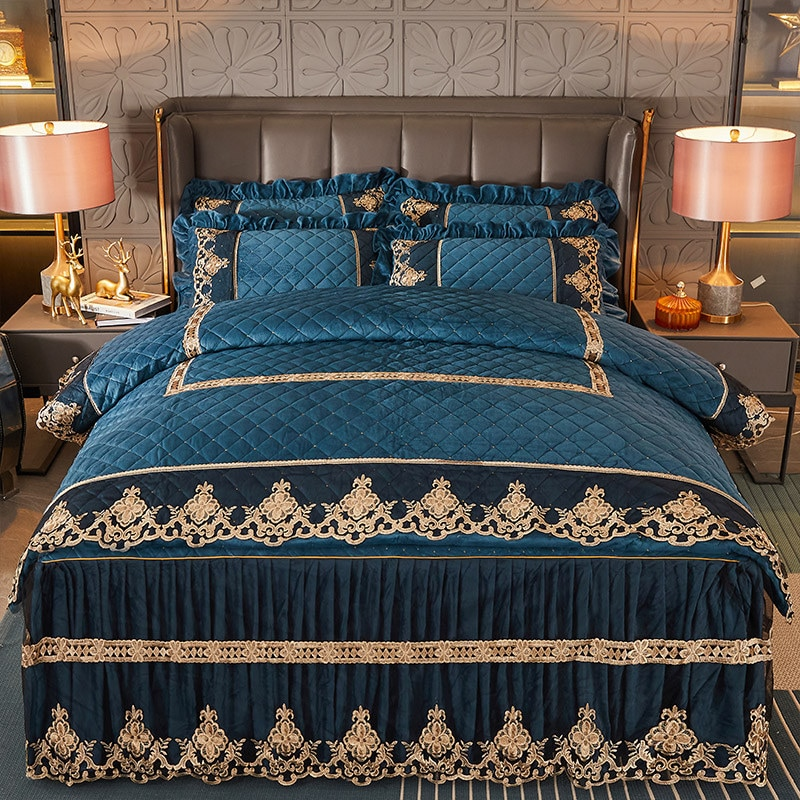 Luxury Quilted Velvet Duvet Cover Set Queen King Double Bed Embroidery Lace European Quilt Cover Solid Color 2 Pillowcases Soft