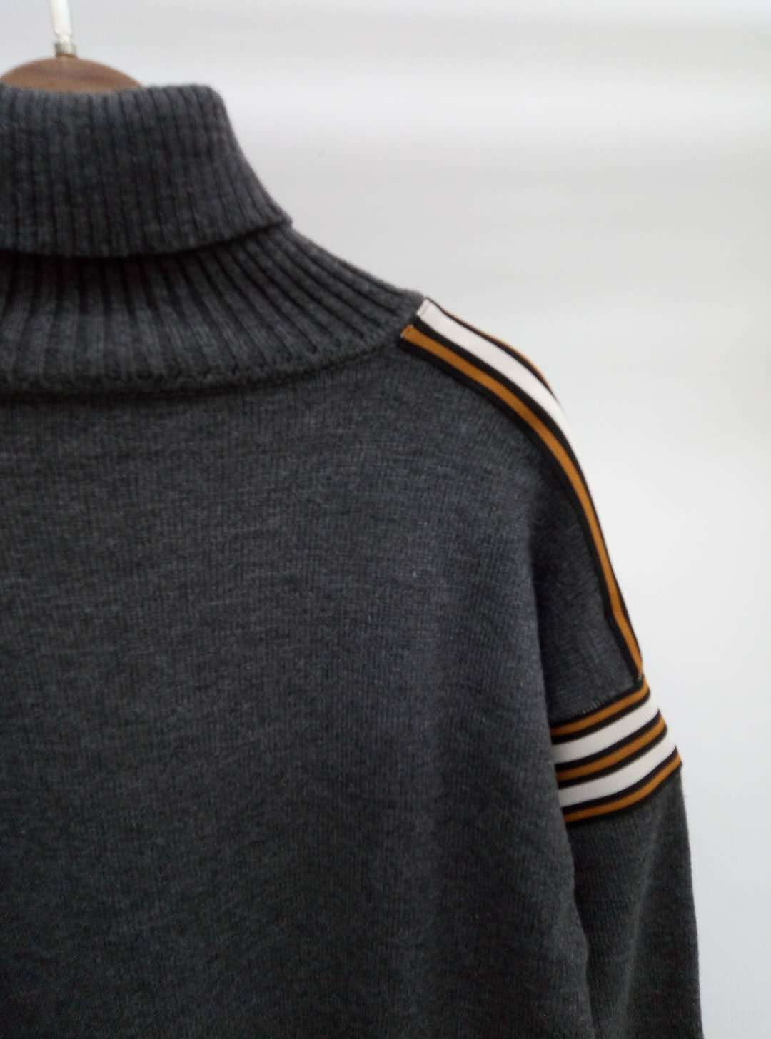 France autumn/winter 2021/high neck stitching striped knitted top pullover casual fashion top enlarge