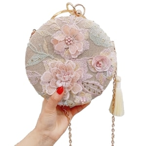 New Luxury Retro Tassel Evening Dress Clutch Bag Embroidery Flower Round Evening Bag Wallet Day Wedding Handbag