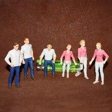 Anime rysunek ulica miasta do chodzenia człowieka bajki miniaturowe ogrodowe akcesoria wystrój siedzi kobieta figurka figurka Model zabawki