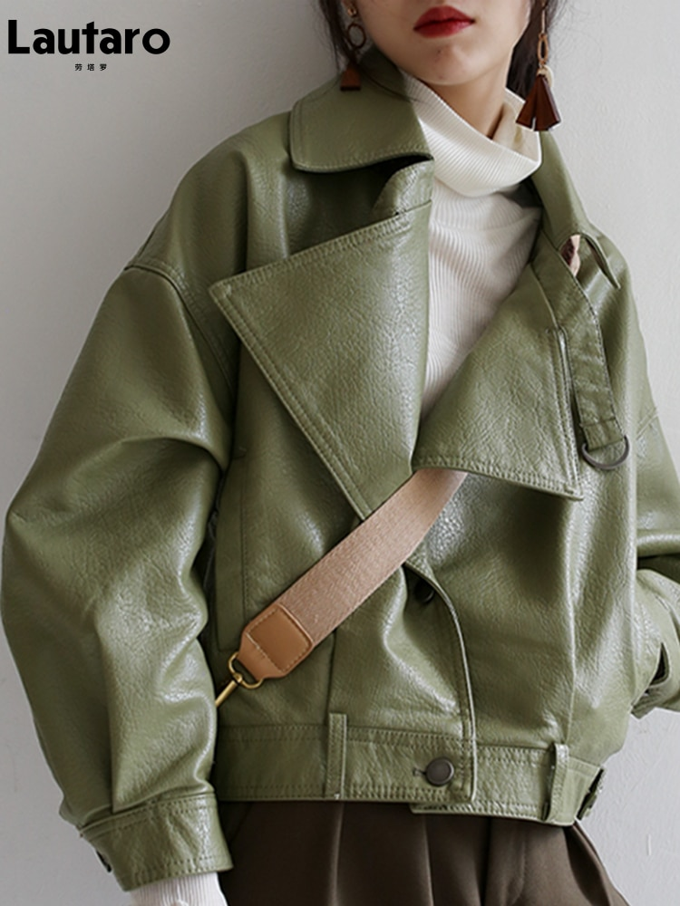 Lautaro عالية الجودة مصمم ملابس الخريف الفاخرة الأخضر جلد صناعي أسود جاكيتات للنساء فضفاض أنيق الكورية موضة 2021