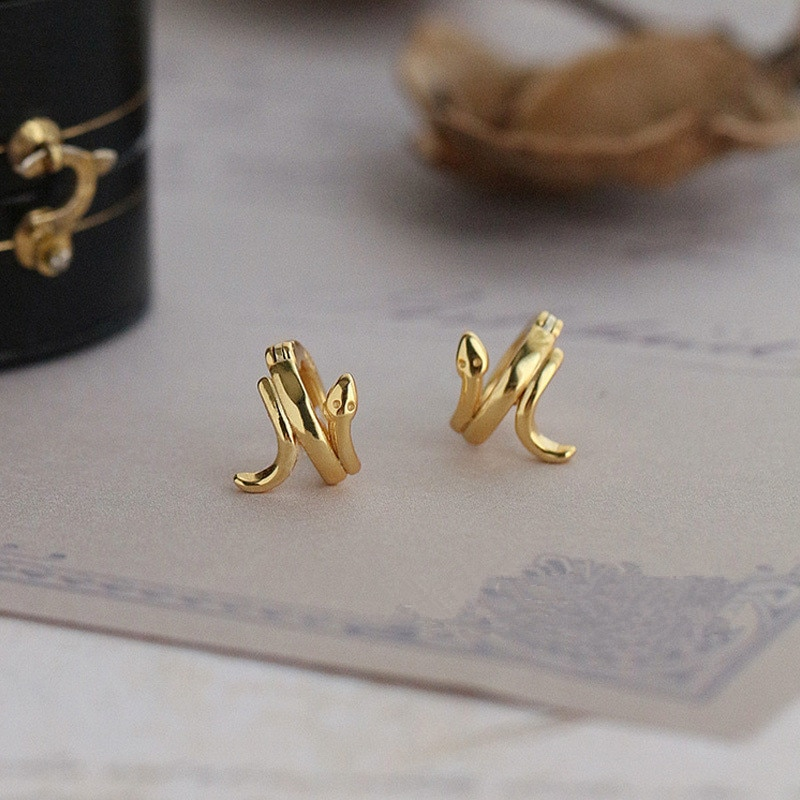 Серьги-гвоздики-женские-из-серебра-925-пробы-золотого-цвета-со-змеиным-ушком