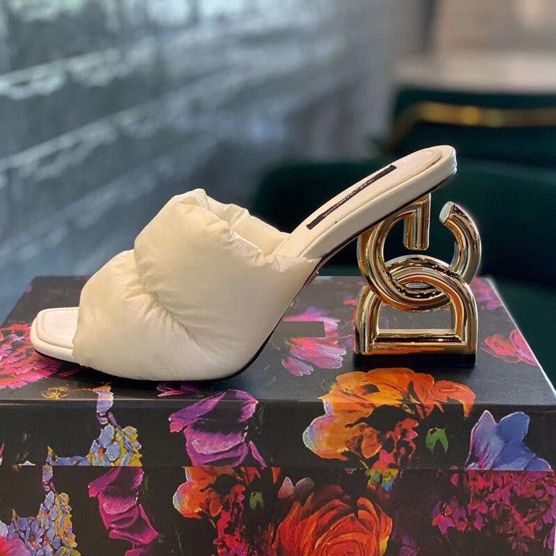 بيع حار 5 ألوان المصممين مبطن البغال الانزلاق إلى رئيس تحول نمط إلهة الكعوب موضة أحذية الصيف للنساء