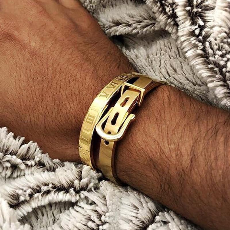 2 piezas caliente hombres titanio acero romano número pulsera lujo herradura hebilla brazaletes Pulseira Bileklik lujo joyería hecha a mano