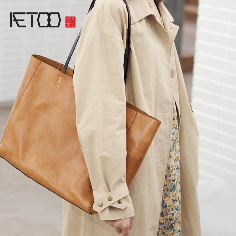 حقيبة كتف من جلد البقر من الطبقة الأولى من AETOO ، حقيبة يد نسائية كبيرة السعة من الجلد ، حقيبة ركاب مصنوعة يدويًا من الجلد الناعم