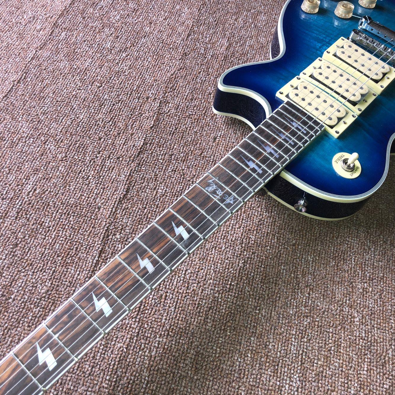 Custom shop.Blue color Tiger Flame electric guitar.rosewood fingerboard gitaar,handwork 6 Strings guitarra. enlarge