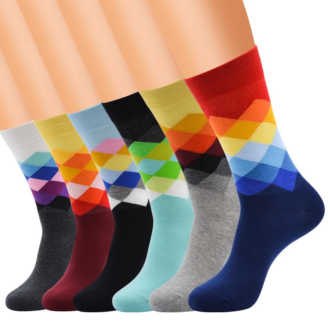 Middle Tube Combed Cotton 4 Season Wearing Premium Quality Diamond Pattern Rainbow Color Women Fashion Socks