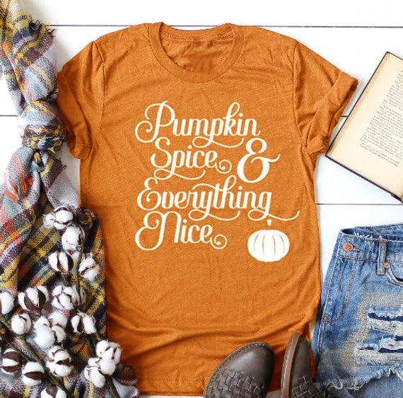 Женская футболка с изображением тыквы и специй, забавная Модная хлопковая футболка на Хэллоуин с графическим принтом, винтажные милые женс...