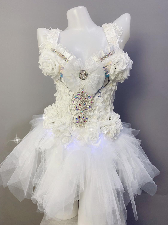 Led branco flor strass malha deslizamento mini vestido feminino aniversário celebrar baile de formatura cristal vestido curto bar festa cantor led traje