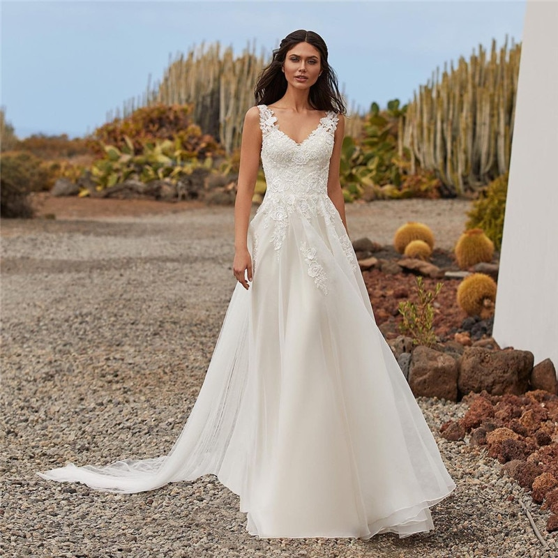 Vestido de Noiva 2021 Stunning off White Wedding Dress Boho Beach Bridal Dresses Lace Vintage Bohemian Wedding Gowns V Neck