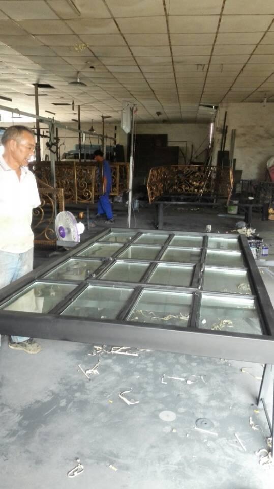 Hench أبواب فولاذية, نوافذ مزدوجة من الفولاذ