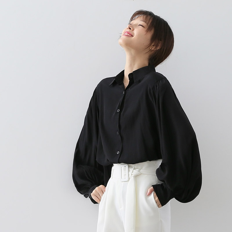 2019 autumn new retro lantern sleeve design blouse Korean version loose thin puff sleeve shirt female long sleeve