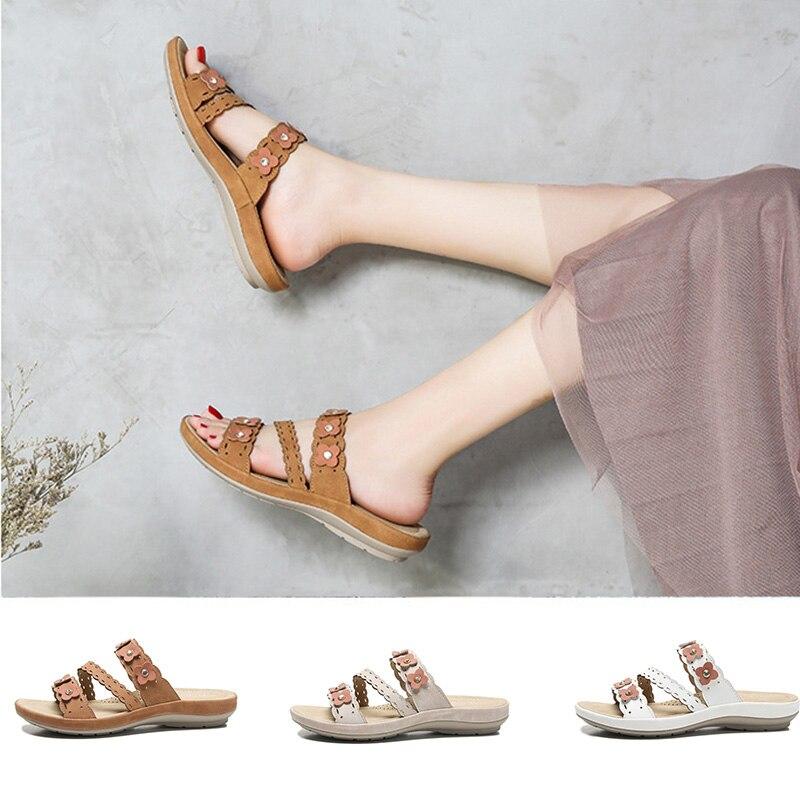 2021 النساء الصنادل الصيف الأحذية مصمم العلامة التجارية الذهبي النساء الصنادل المسطحة Sandalias Mujer الشاطئ Sandales شبشب زحاف للسيدات حجم 39
