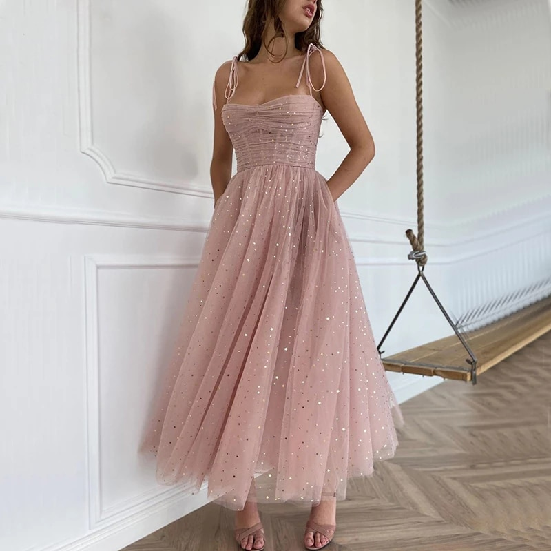 فستان سهرة من التول بطيات مع أحزمة سباغيتي لامعة ، فستان سهرة قصير ، بدون حمالات ، a-line ، AE912 ، 2021