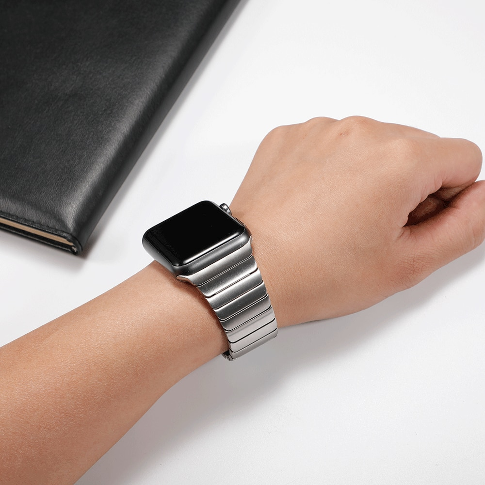 Stainless steel strap For Apple watch band 44 mm/42mm 40mm 38mm Luxury Link iwatch bracelet apple watch series 6 5 4 3 band 44mm woman strap for apple watch band 40mm 44mm link bracelet iwatch band 38mm 42mm stainless steel for apple watch series 6 5 4 3 2