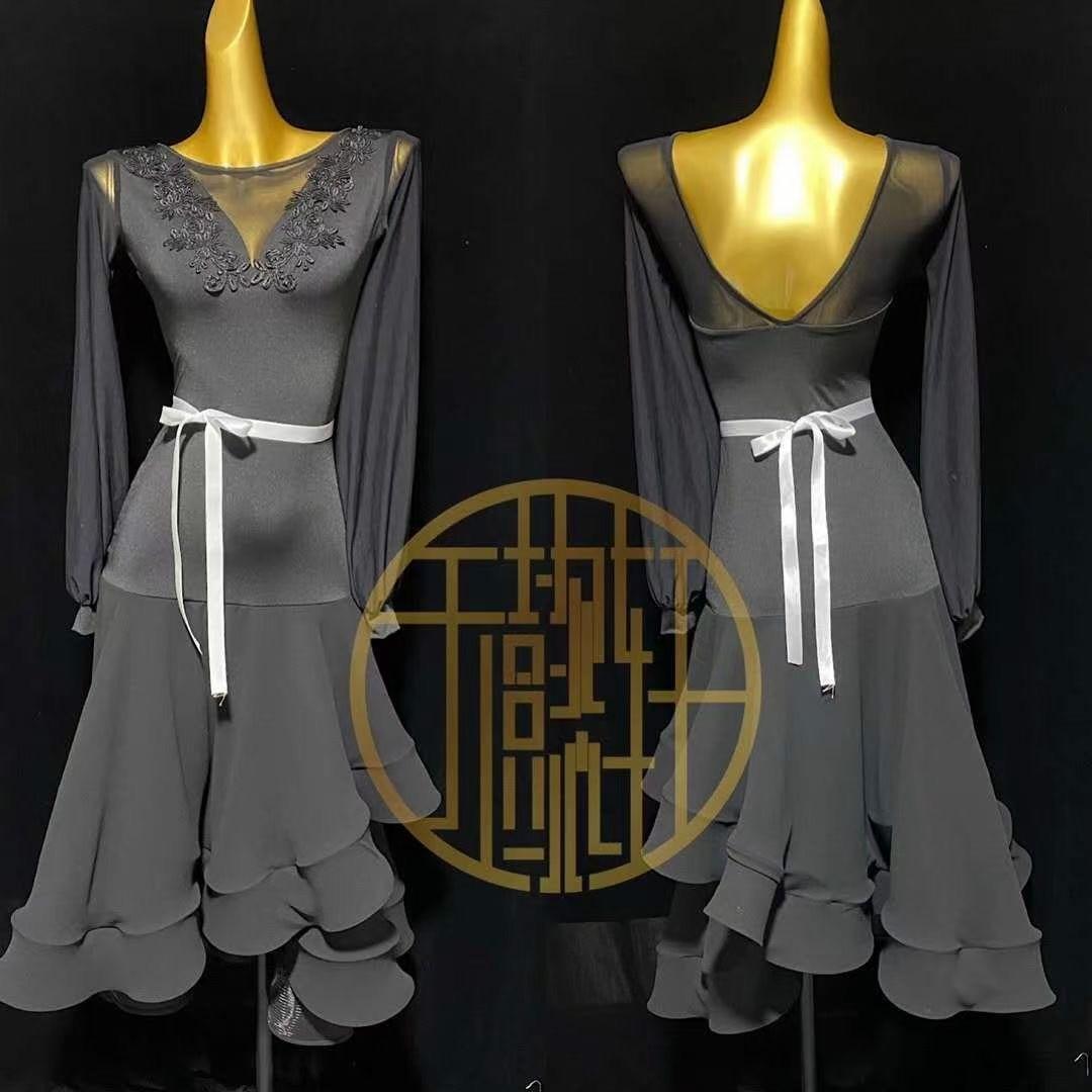ملابس الرقص الوطنية الحديثة, ملابس ممارسة الرقص الفالس دون أحجار الراين بدلة مع كؤوس حمالة الصدر