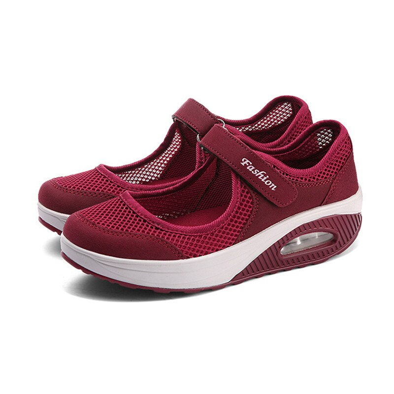Sneakers Female Flat Soft Comfortable Fashion Lightweight Pumps Shoes Joker Slip-on Super Light Casual Vulcanize Shoes Woman