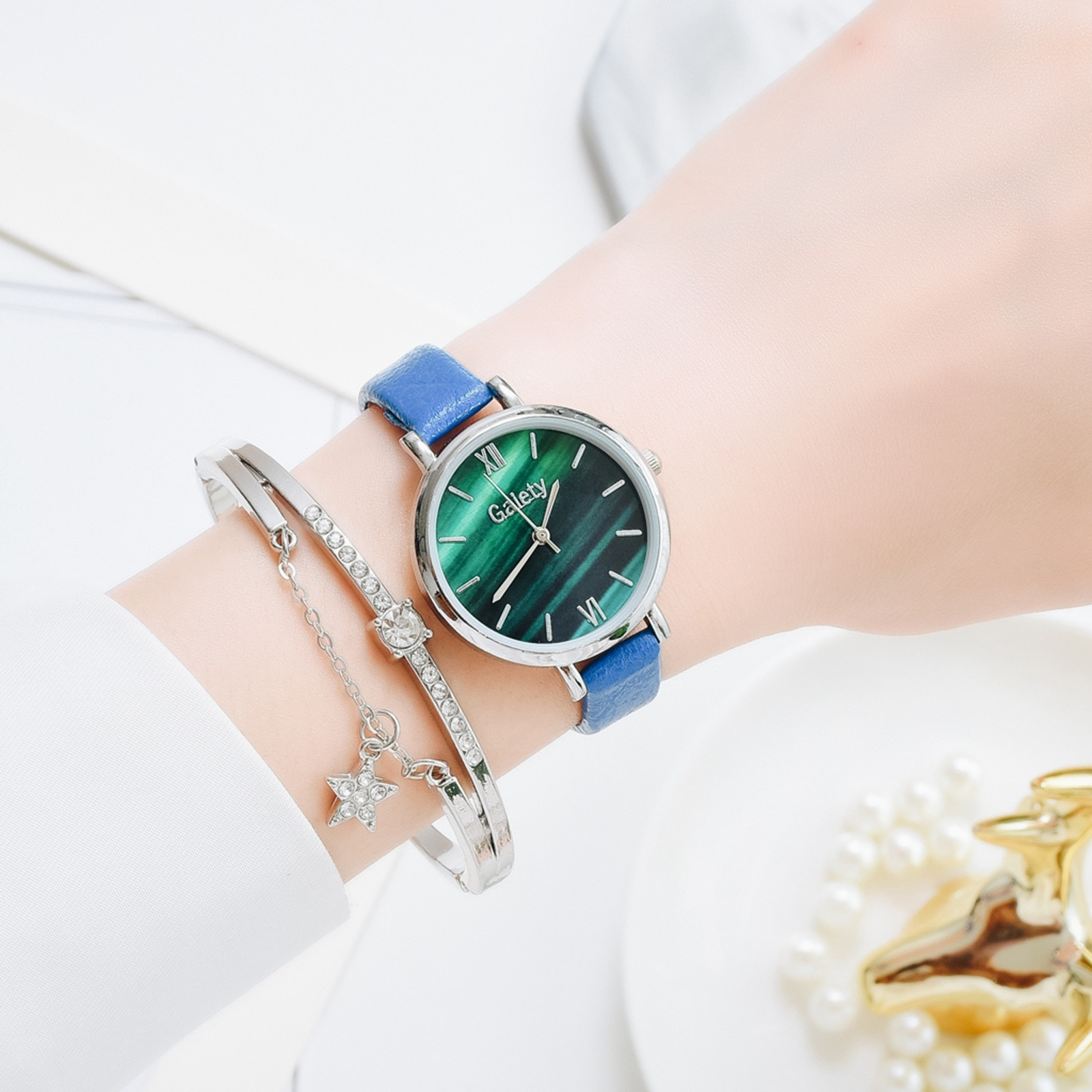 Brand Luxury Watch For Women Fashion Romantic Bracelet Watch Ladies Dress Watches New Simple Dress G