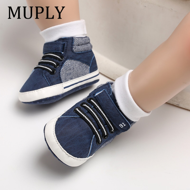 ¡Novedad de 2020! Zapatillas de deporte de cuero para bebés y niñas, zapatos de primeros zapatos de andar suaves para primeros pasos de 0 a 18 meses