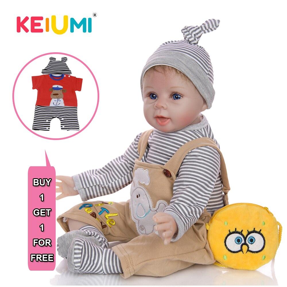 KEIUMI, vinilo de silicona Reborn vivo, muñecas de bebé sonrisas Boneca, niño Reborn, compañeros de juego educativos para niños con 2 uds, conjuntos de ropa de regalo