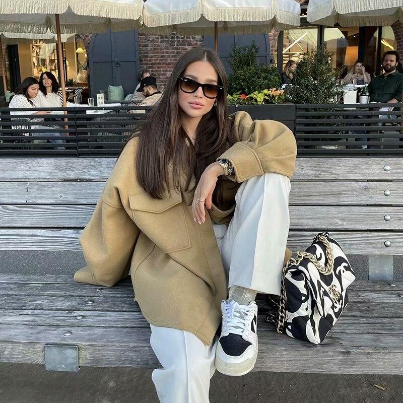 Uniera 2021 Za المرأة الجديدة الخريف عالية الجودة موضة واسعة ضوء الجمل فقاعة كم الترفيه متوسطة وطويلة الصوف معطف